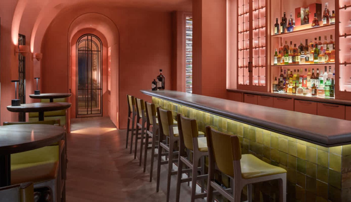 Muebles-de-Yabu-Pushelberg-Taylor-Taburetes-Bancos-Bar-Arbor-Restaurant-Hong-Kong