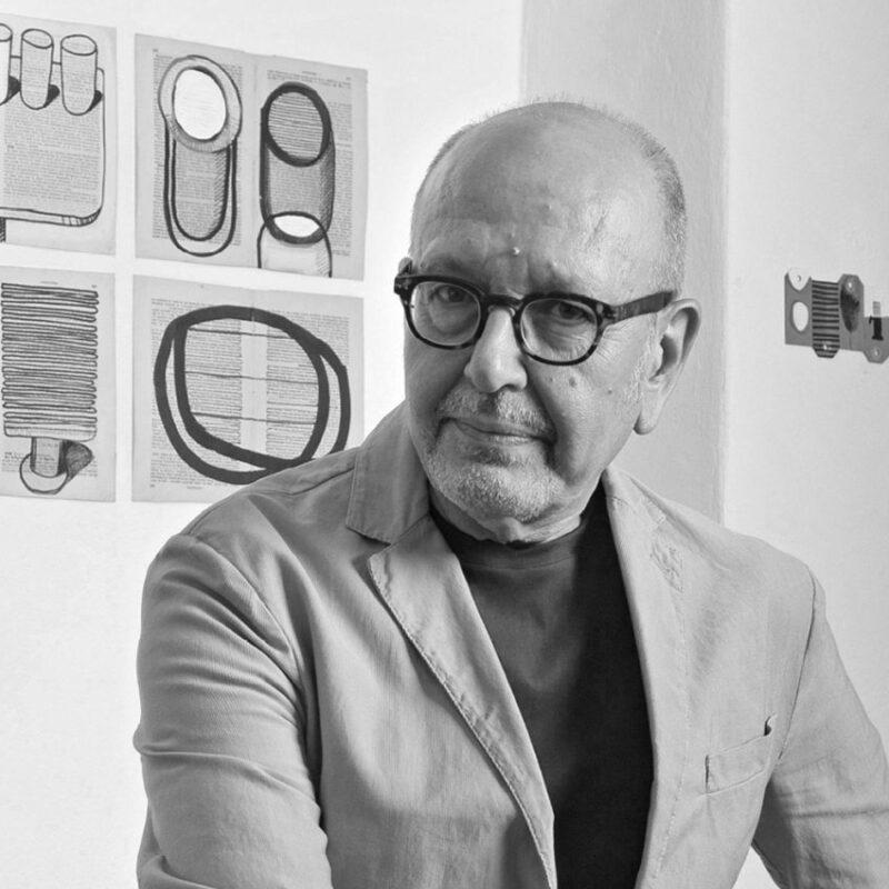 Retrato de Emilio Nanni, creador de la silla Doll para Billiani