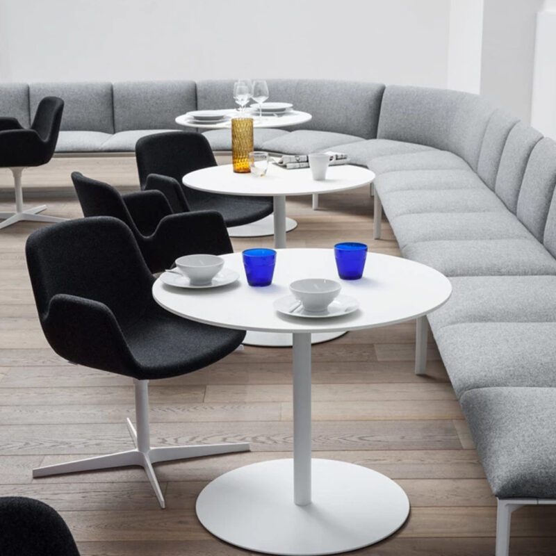 Lapalma Café - Sillas CUT y Sofás ADD para Restaurante